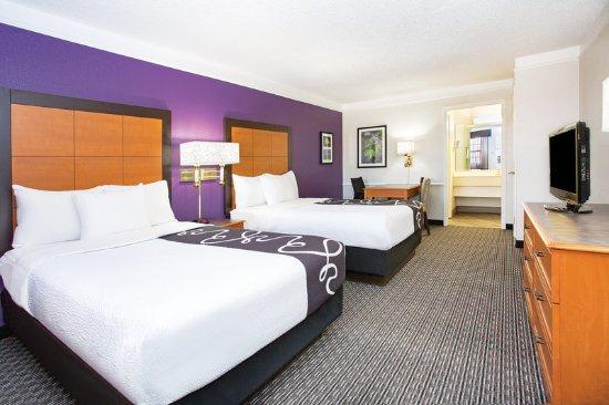 La Quinta Inn Denver Westminster: Guest room