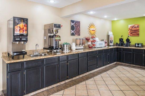 Blue Springs, MO: Property amenity
