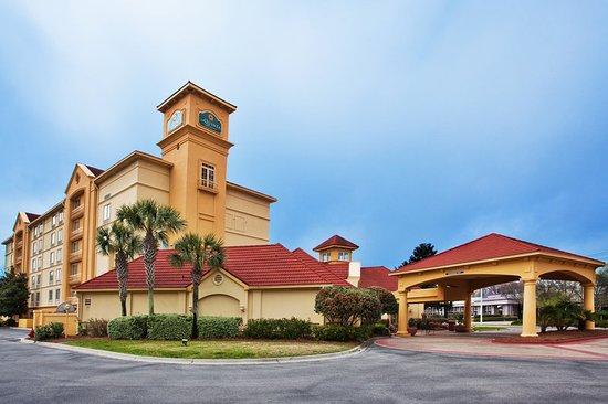 La Quinta Inn & Suites Panama City: Exterior