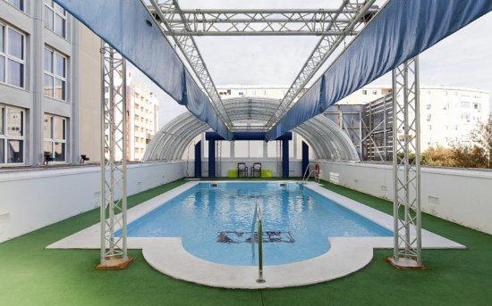 Hotel Vertice Sevilla: Pool