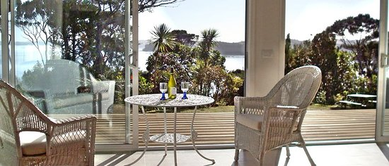Opua, نيوزيلندا: Kauri Suite: front view of Veronica Channel and inner Bay of Islands 