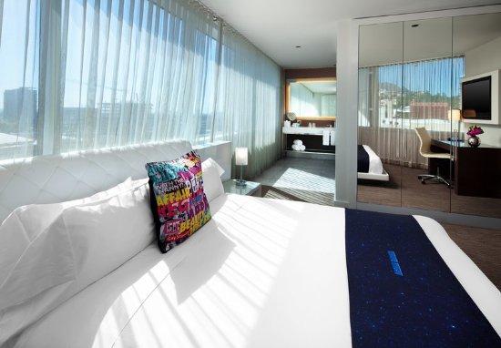 W Hollywood: Guest room