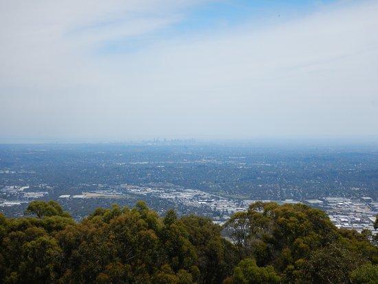 Mount Dandenong, Austrália: Views to Melbourne