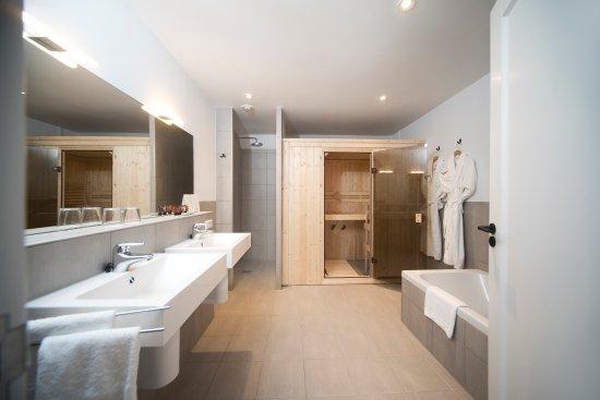 Badkamer Suite Loft & Spa met Finse sauna - Picture of Mooirivier ...