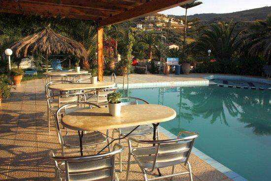 Exopoli, Grecia: Poolbar
