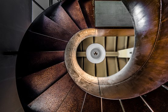 Arcevia, Italy: Clubhouse stairs