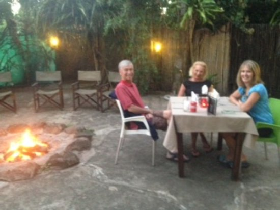 WE Bushcamp & Horse Safaris: Dining in the Boma under the stars with a lovely bonfire