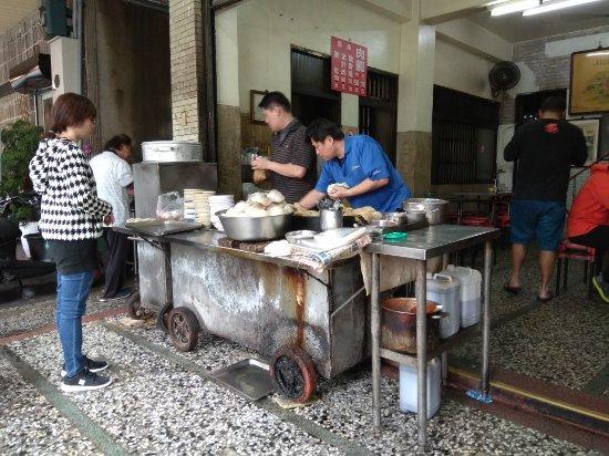 changhua guys Urban sketchers taiwan  everyday is market day in changhua  such brave men-these fishermen.
