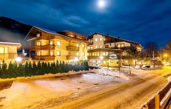 Weissbriach, Oostenrijk: Winter-Ansicht bei Nacht