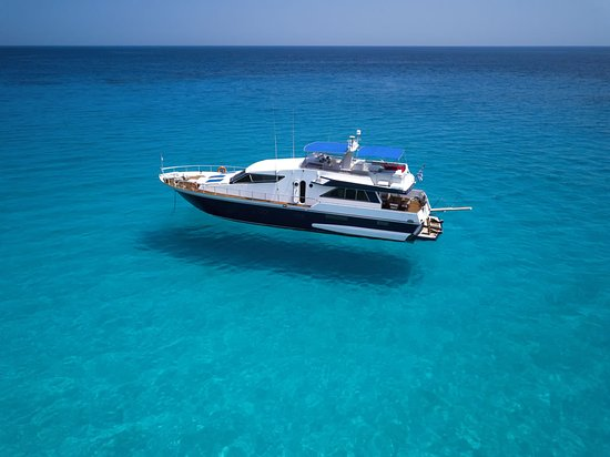 Cretan Yacht