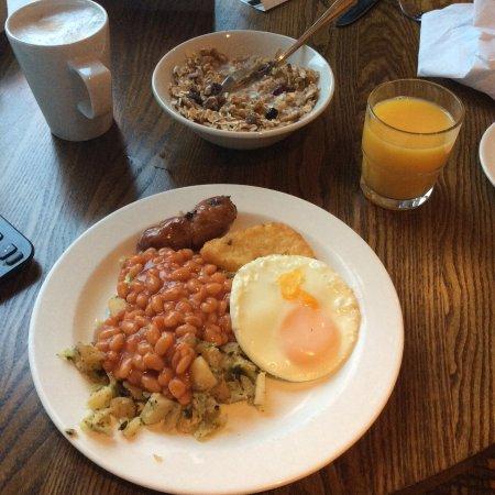 Premier Inn Belfast Titanic Quarter Hotel: Top Irish breakfast!