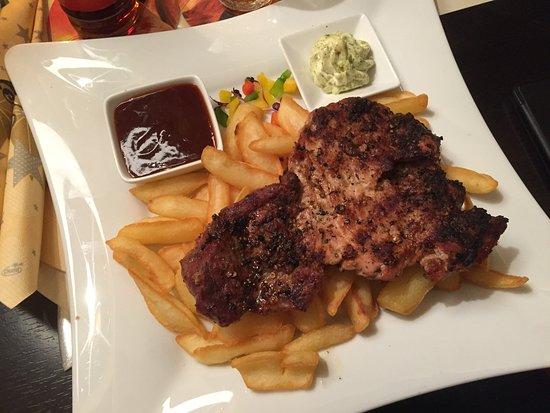 Chausseehaus Zur Einnahme: Texas Steak mit Steak-Pommes (18.80 EUR)