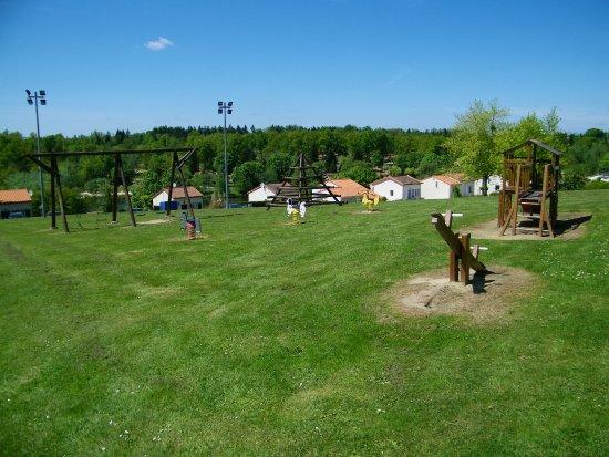 Montbron, France : Speeltuin