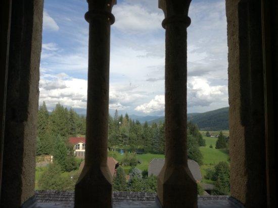 Mauterndorf, Austria: Veduta dal ristorante del castello