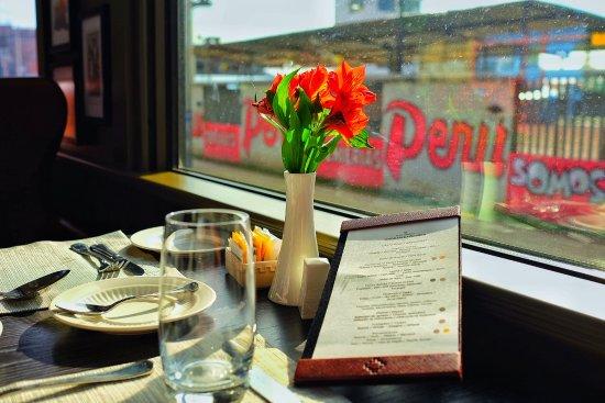 PeruRail: 美麗的餐車