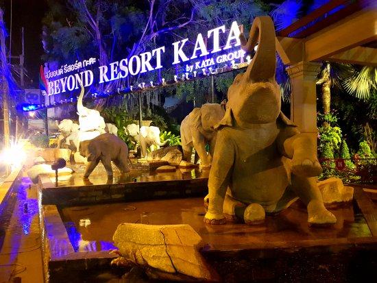 Beyond Resort Kata: Entrance