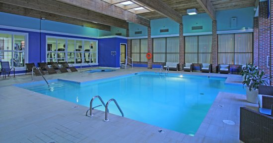 Providence Marriott Downtown: Largest indoor pool in Providence. Book our Family Fun Weekend getaway!