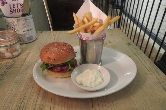 Bill's Covent Garden: Halloumi burger with fried and lemon mayo