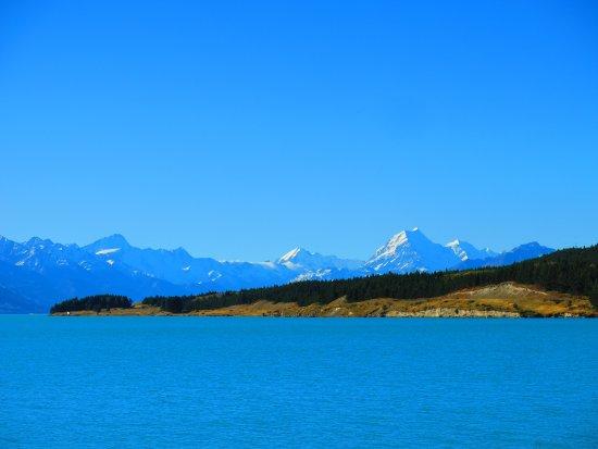 Lake Pukaki: Avec les montagnes