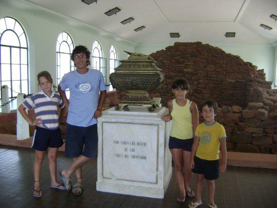 Yapeyu, Argentina: Templete que guarda la construcción jesuítica donde nació José de San Martín en 1778
