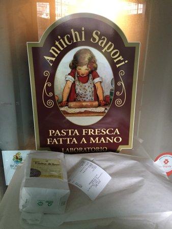 Modigliana, Italy: prodotti presi
