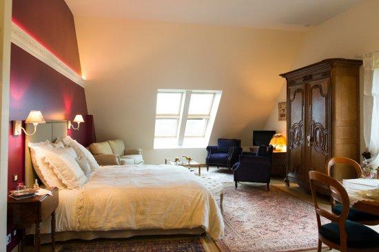 Putanges-Pont-Ecrepin, Francia: Suite Bayeux, lit 180x200, alcove deux lits 90x190, SdB, WC séparé, plateau courtoisie