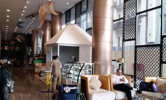 reception lobby picture of holiday inn kolkata airport kolkata rh tripadvisor com