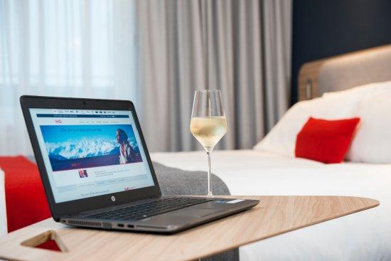 Guest room – obrázek zařízení Holiday Inn Express London - Luton Airport, Luton - Tripadvisor