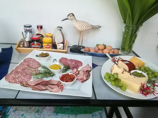 Plumbago Guest House: Cold breakfast buffet part 2