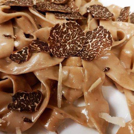 Marano sul Panaro, Italy: Tagliatelle di castagne con tartufo