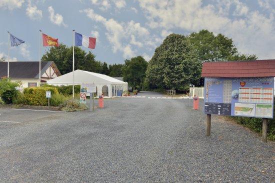 Balleroy, France: Entrée du Camping