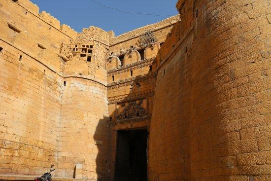 La porta del sole photo de forteresse de jaisalmer - La porta del sole ...
