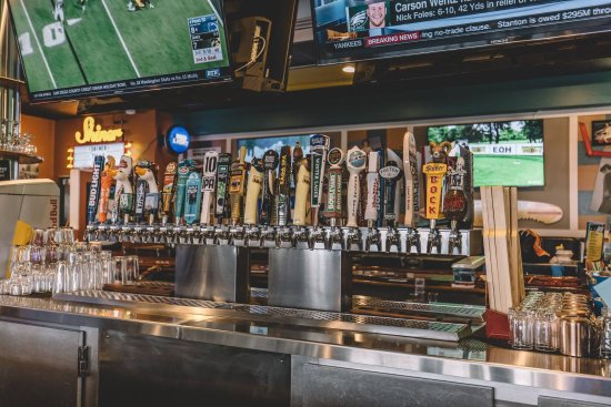 East Grand Forks, MN: 50 Beer Choices on Tap