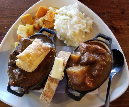 The Irish Harp Pub: Irish stew and beef stew