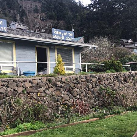 Ocean Cove Inn: photo1.jpg