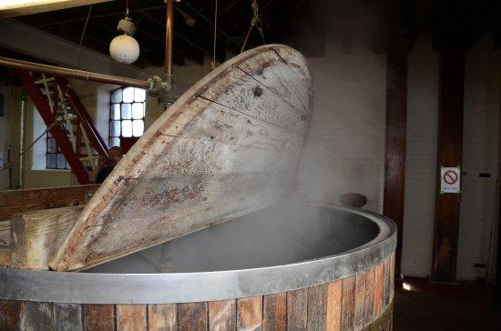 Hook Norton, UK: Mash tun or beer hot tub!