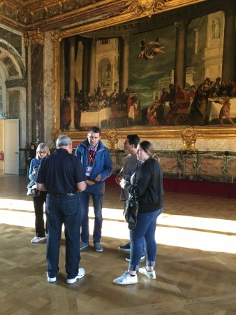The Americans in Paris: Guiding in Versailles