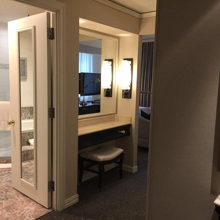 Loews Hotel Vogue: photo1.jpg