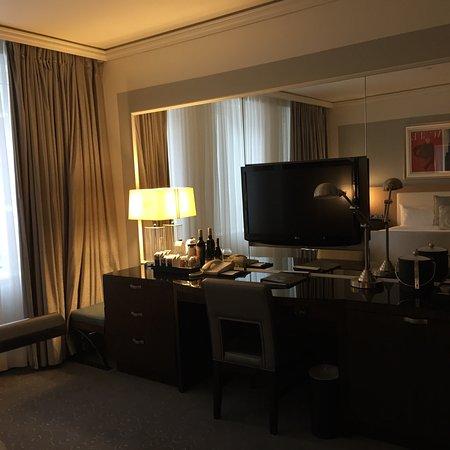 Loews Hotel Vogue: photo3.jpg