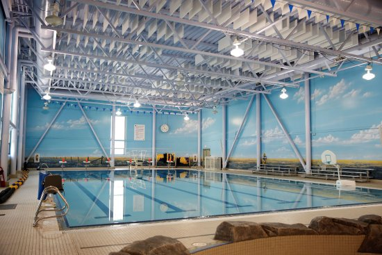 Brooks, Canada: 6-lane, 25m pool, 1m diving board. Handicap accessible
