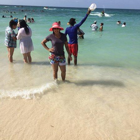 Isla Baru, Colombie : Hermoso lugar... a mi esposa le encantó..  No hay tantas olas como en bocagrande, la comida es r