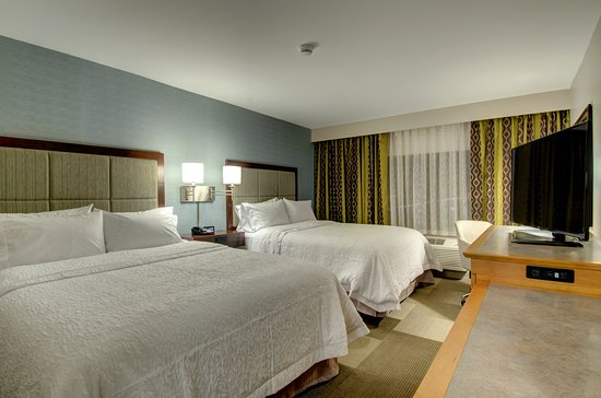 Westborough, MA: Standard Double Queen Room