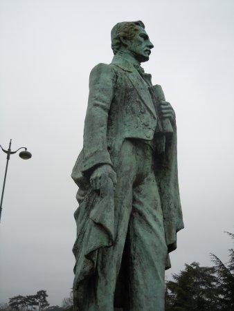 Statue de Santander: La statue sur le socle