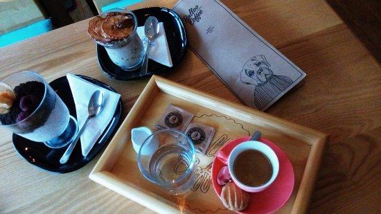 Roznov pod Radhostem, República Tcheca: Chia puding, povidlový dezert a espresso