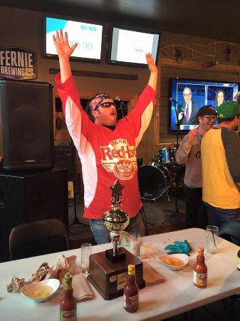 Fernie, Canada: Griz Days Hot Wing Champion!