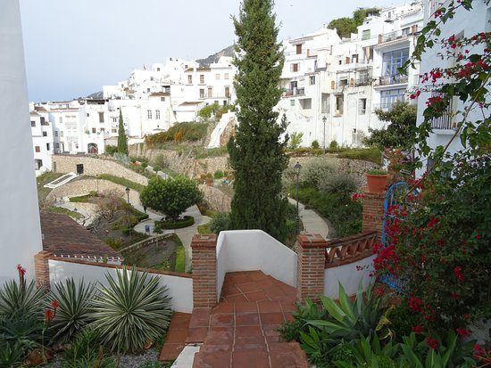 Frigiliana, Spain: FREE ENTRANCE TO JARDIN  SANTA FIORA