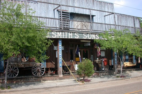 Covington, LA: H.J. Smith and Sons General Store and museum has been operated by the Smiths since 1876.