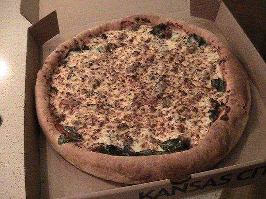 Leawood, KS: Deep dish Sausage & Spinach