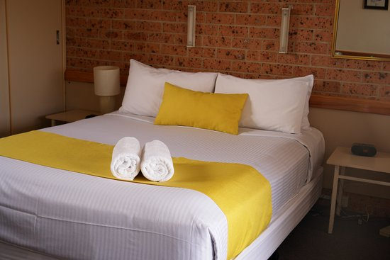 Huskisson, Australien: Double Bed with wall and side lights