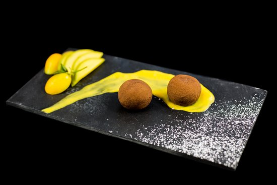 Dessert: Mochi-Eiskugel Schoko